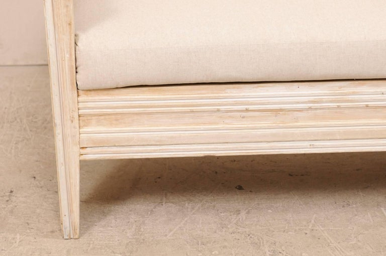 Early 19th Century Swedish Sofa Bench with Nicely Arched Back on Bracket Legs 7