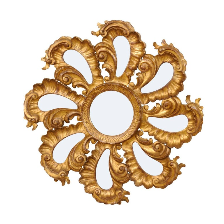 Exquisite Italian Vintage Carved Giltwood Circular Repeating Petal Wall Mirror For Sale