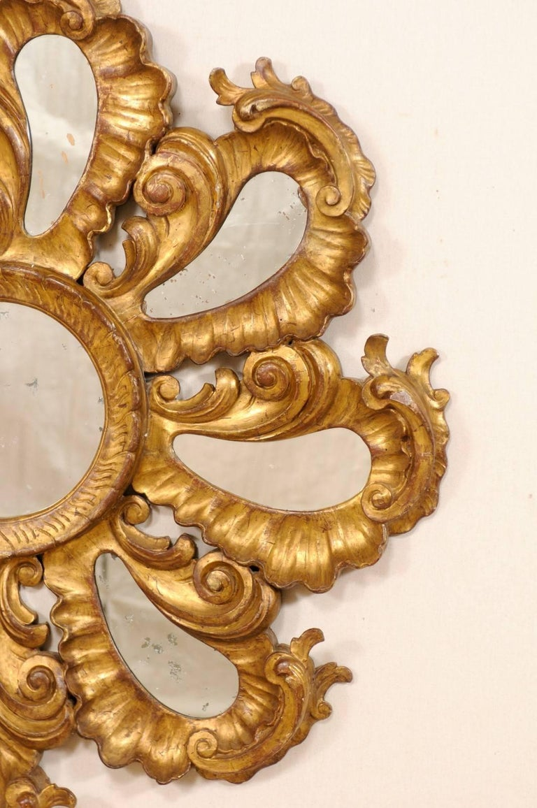 20th Century Exquisite Italian Vintage Carved Giltwood Circular Repeating Petal Wall Mirror For Sale