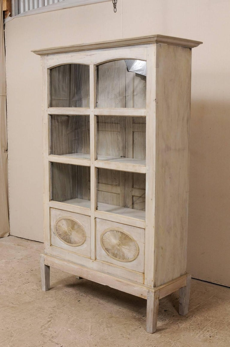 Single Two-Sided Early 20th Century British Colonial Two-Door Painted Cabinet For Sale 3
