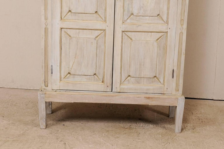 Single Two-Sided Early 20th Century British Colonial Two-Door Painted Cabinet In Good Condition For Sale In Atlanta, GA