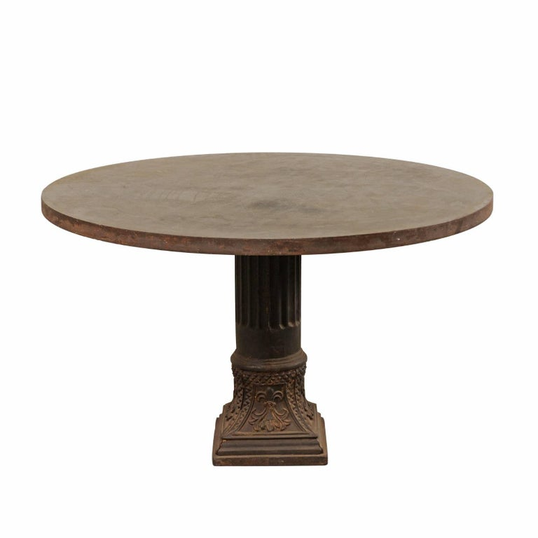 Early 20th Century Round Centre Pedestal Table of Medium Size