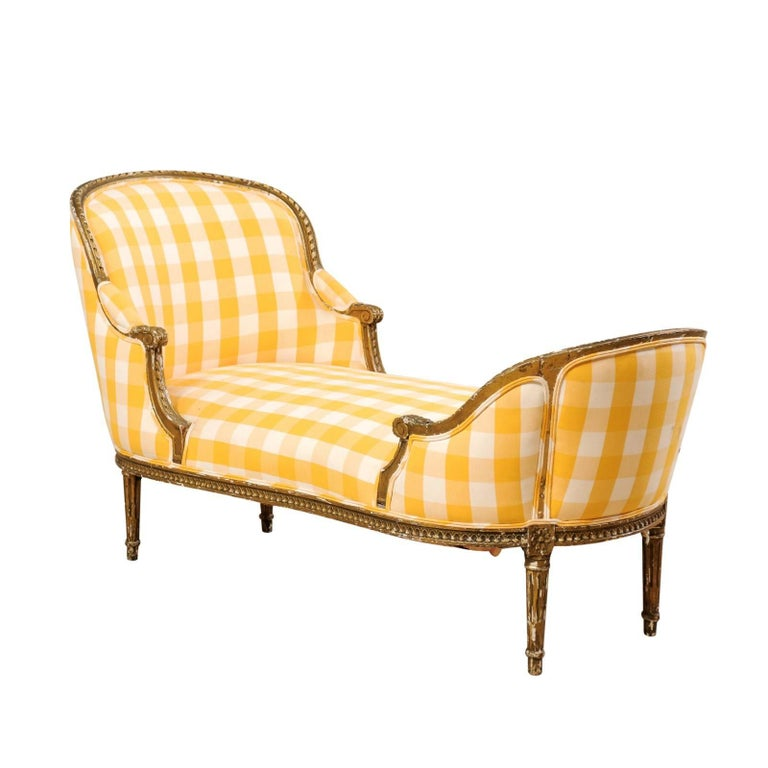 French Turn of the Century Louis XVI Style Chaise Longue of Carved Wood