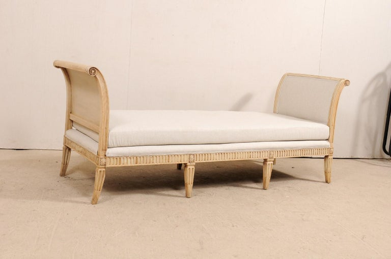 Vintage French Carved Wood and Upholstered Sofa Bench In Good Condition For Sale In Atlanta, GA