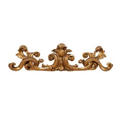 18th Century Italian Carved Giltwood Wall Fragment Adorned with Acanthus Leaves