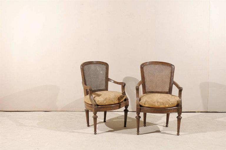 Pair of Italian 18th Century Wooden Armchairs In Good Condition For Sale In Atlanta, GA