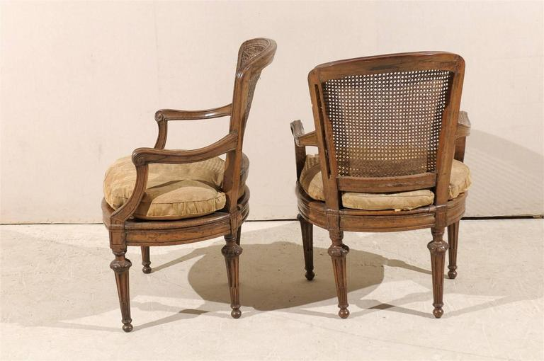 Pair of Italian 18th Century Wooden Armchairs For Sale 4