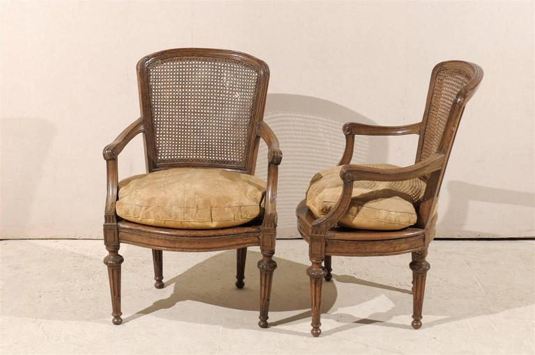 Pair of Italian 18th Century Wooden Armchairs For Sale 5