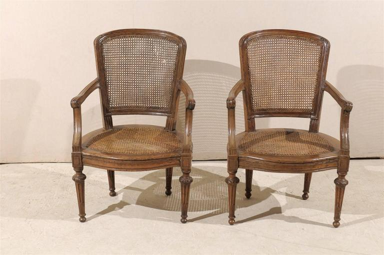 Pair of Italian 18th Century Wooden Armchairs For Sale 6