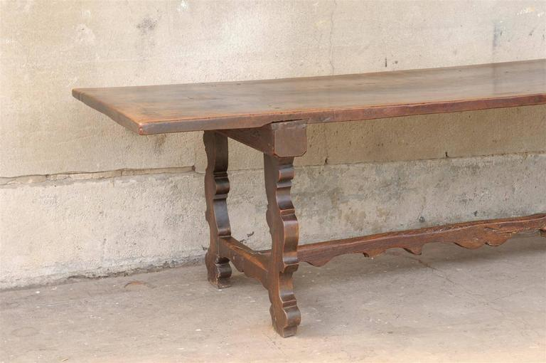 18th Century and Earlier 18th Century Italian Walnut Dining Table For Sale