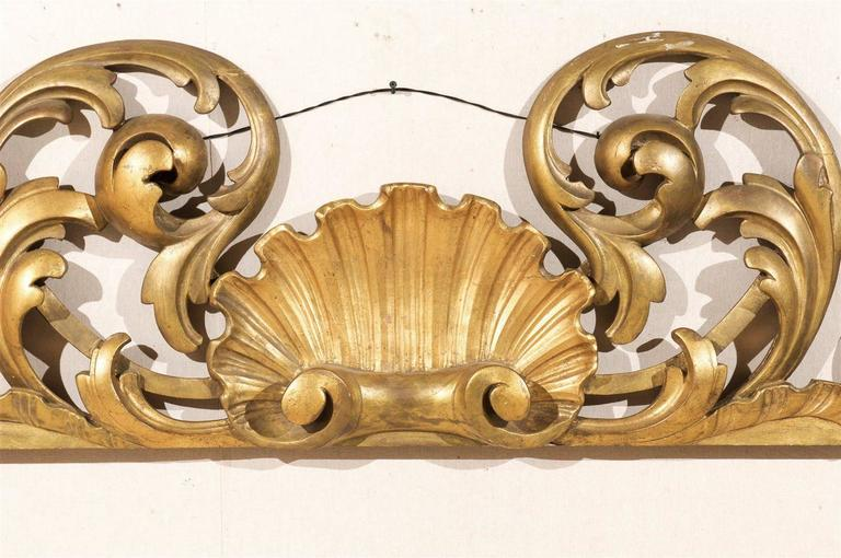 20th Century Italian Hand-Carved Giltwood Wall Decoration For Sale