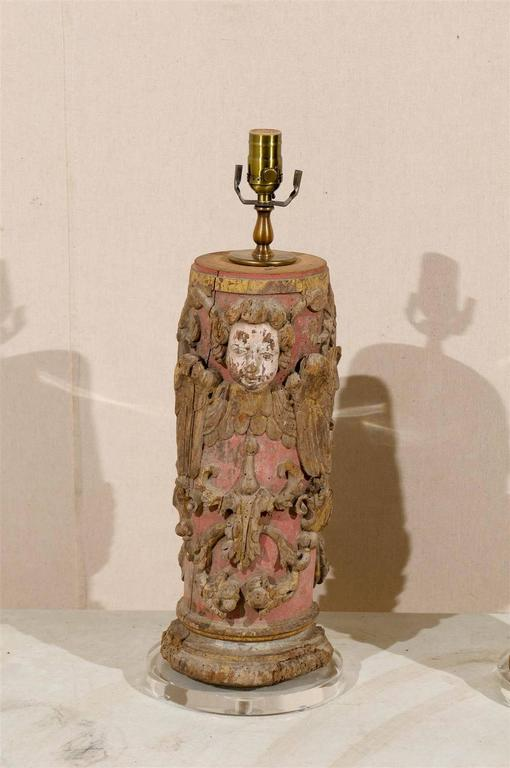 Carved Pair of Portuguese 18th Century Painted Wood Table Lamps with Angel Depiction For Sale