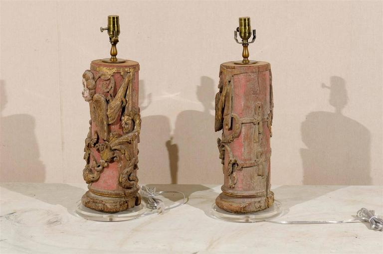 Pair of Portuguese 18th Century Painted Wood Table Lamps with Angel Depiction For Sale 1