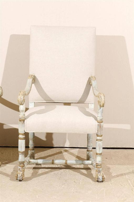 20th Century A Pair of French Louis XIV Style Armchairs / Fauteuils, Light Grey Painted Wood For Sale
