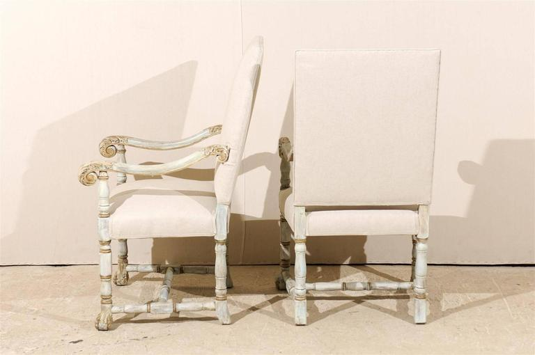 A Pair of French Louis XIV Style Armchairs / Fauteuils, Light Grey Painted Wood 7