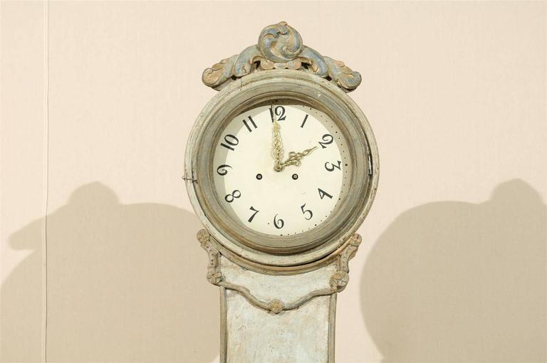 Gustavian A 19th Century Swedish Fryksdahl Longcase Floor Clock with Leaf Motif Crest For Sale