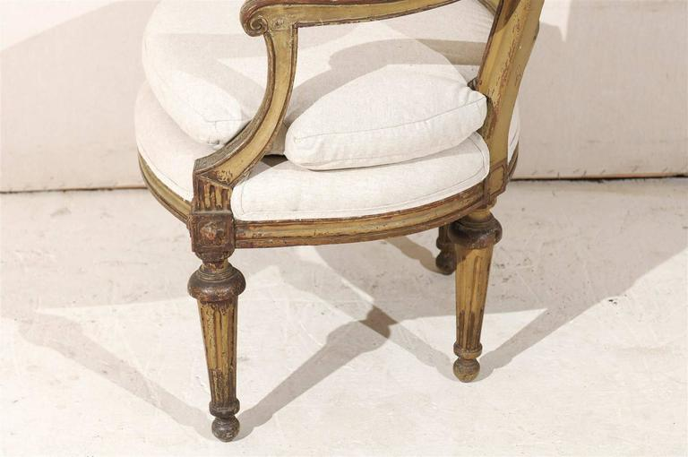 Single French Louis XVI Style Painted Wood Fauteuil with Rosettes on the Knees In Good Condition For Sale In Atlanta, GA
