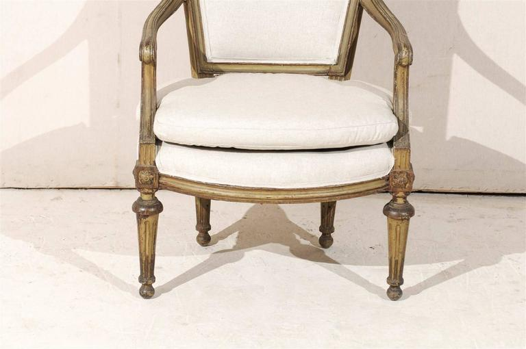 Single French Louis XVI Style Painted Wood Fauteuil with Rosettes on the Knees For Sale 3