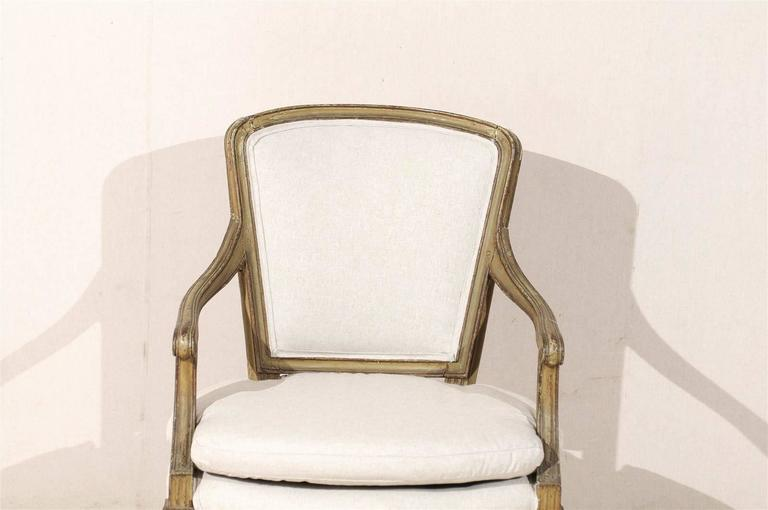 Single French Louis XVI Style Painted Wood Fauteuil with Rosettes on the Knees For Sale 4