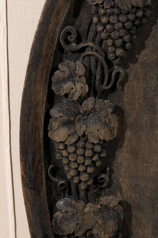 A French 19th Century Hand-Carved Wooden Wine Cellar Plaque with Grape Vines For Sale 3