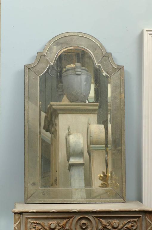Classic Venetian Style Mirror With Bonnet Crest At 1stdibs
