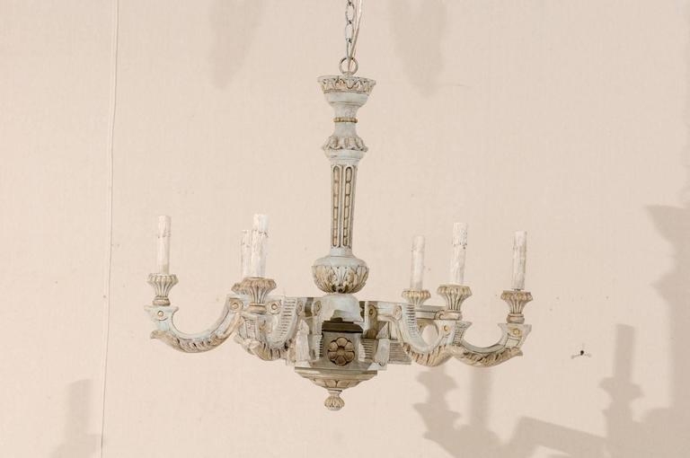 French Vintage Painted And Carved Wood Chandelier With Six Lights In Good Condition For