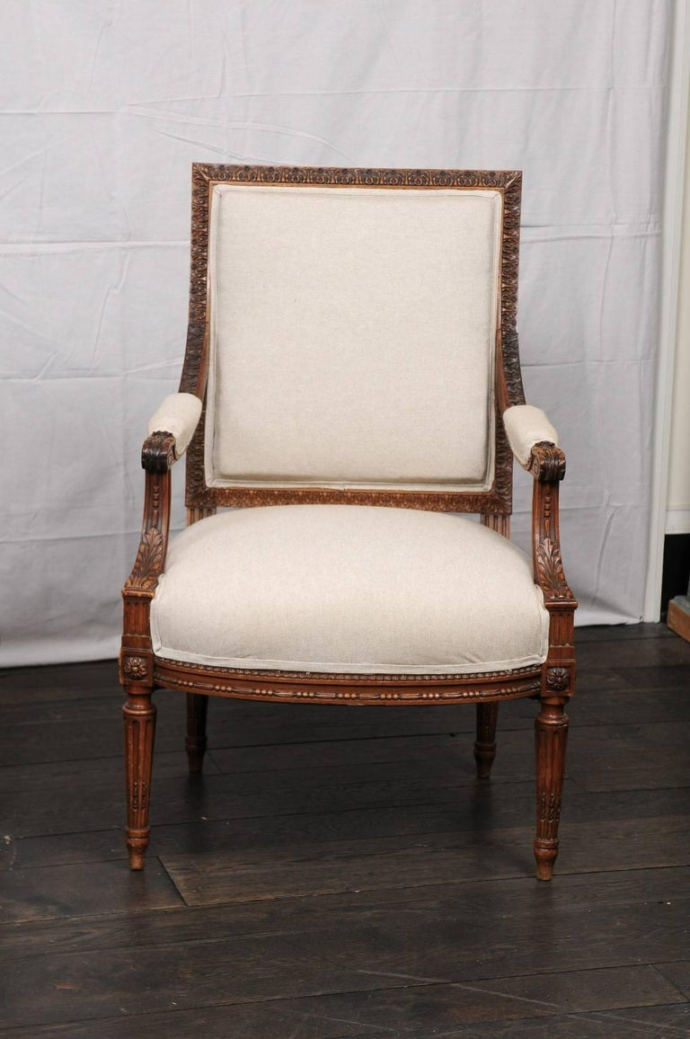 Linen Pair of Mid-20th Century French Louis XVI Style Armchairs of Carved Wood For Sale