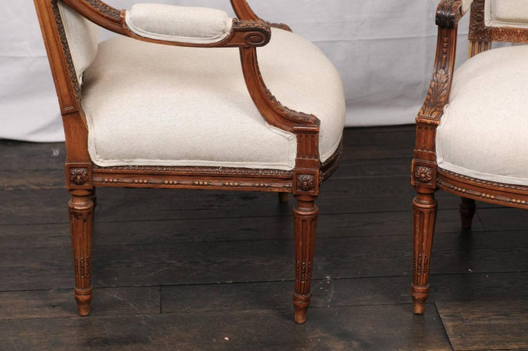 Pair of Mid-20th Century French Louis XVI Style Armchairs of Carved Wood For Sale 2