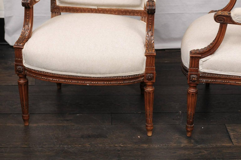 Pair of Mid-20th Century French Louis XVI Style Armchairs of Carved Wood For Sale 5