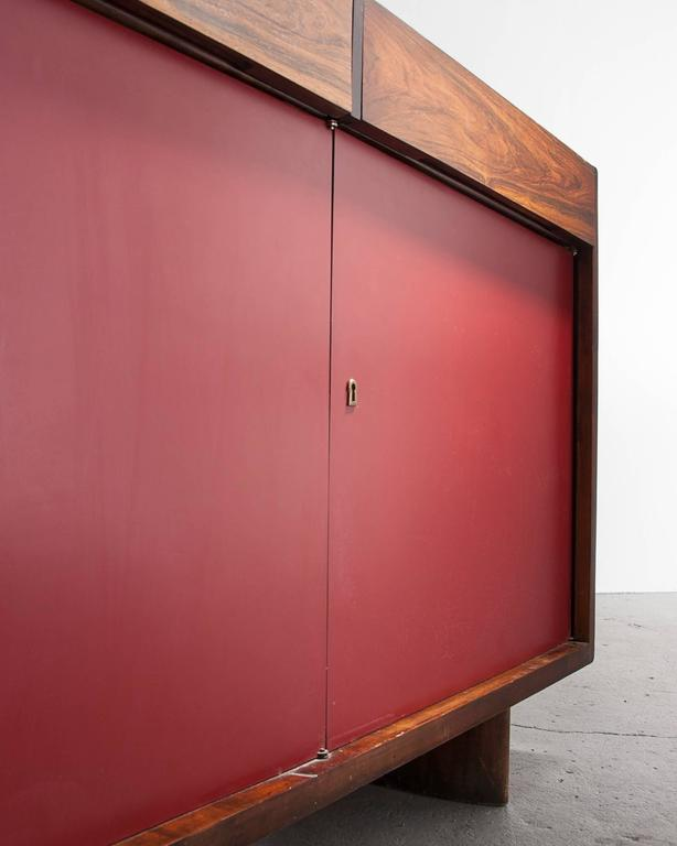 Four-Door Credenza in Jacaranda with Red Formica Front by Joaquim Tenreiro, 1948 For Sale 2