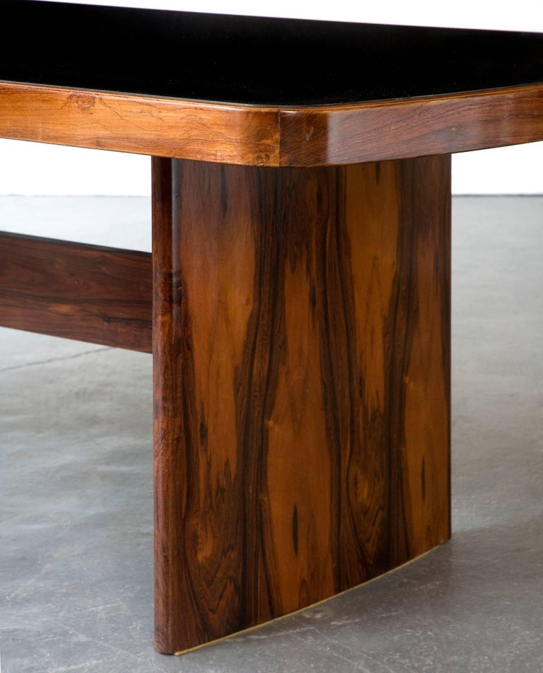 Brazilian Dining Table in Jacaranda by Joaquim Tenreiro, 1949 For Sale