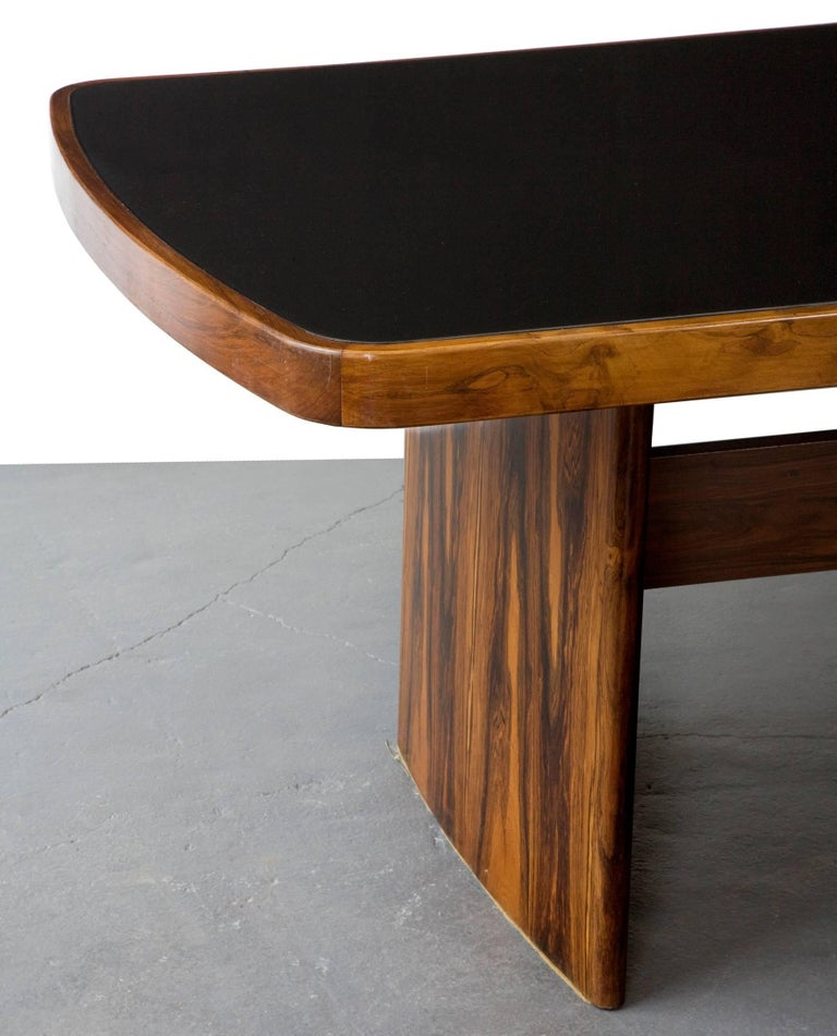 Dining Table in Jacaranda by Joaquim Tenreiro, 1949 In Fair Condition For Sale In New York, NY