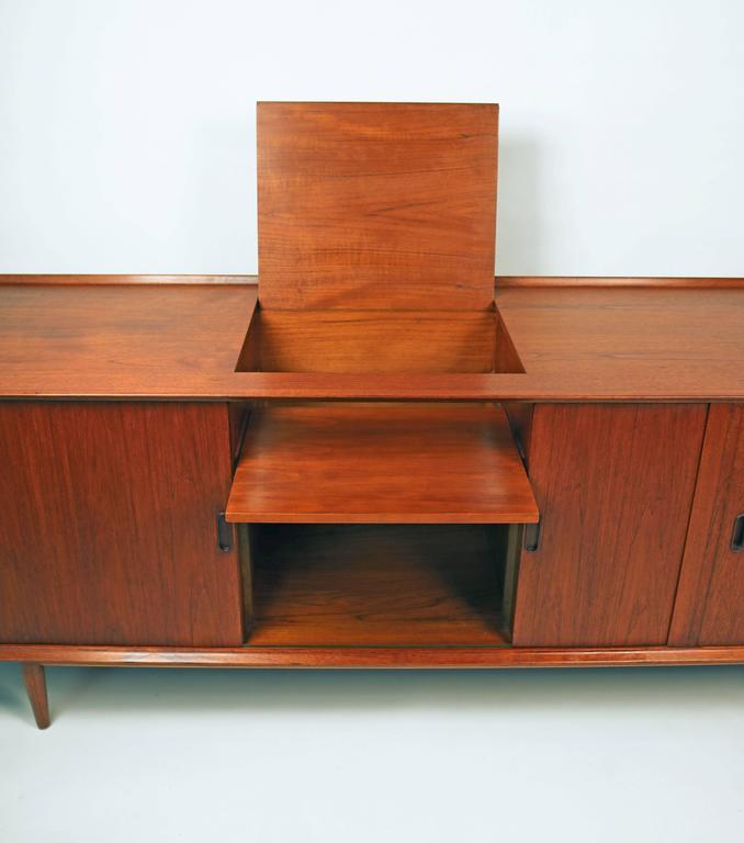 Arne Vodder Danish Modern Tambour Door Stereo or Media Cabinet for Sibast In Excellent Condition For Sale In Dallas, TX
