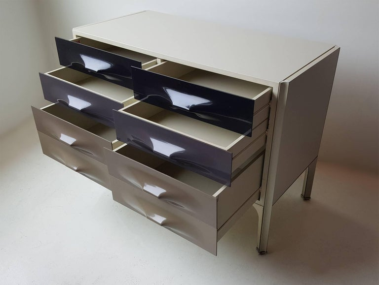 Raymond Loewy DF-2000 Chest of Drawers 3