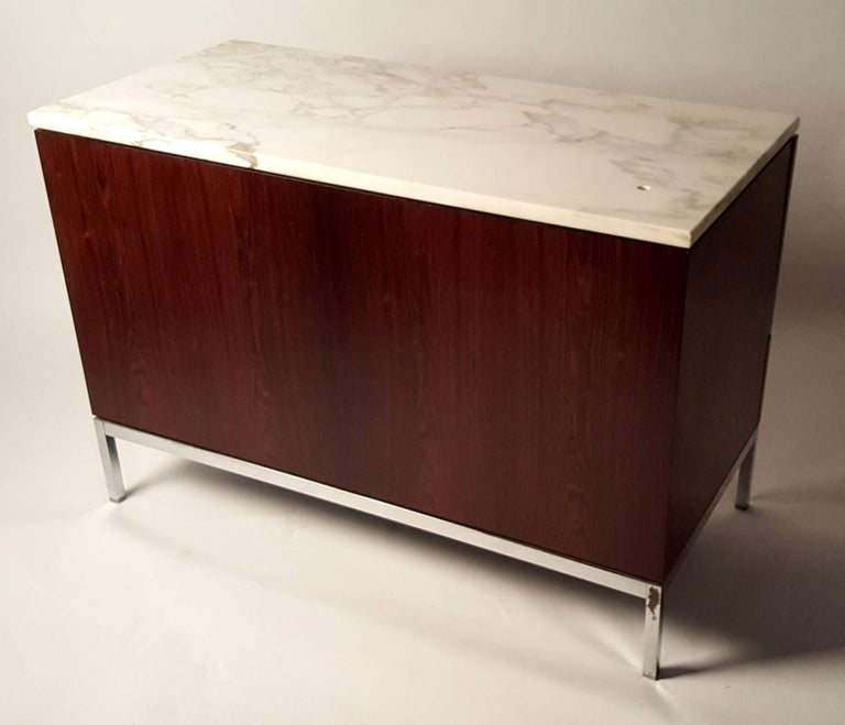 Mid-Century Modern Florence Knoll Brazilian Rosewood and Calcutta Marble Credenza For Sale