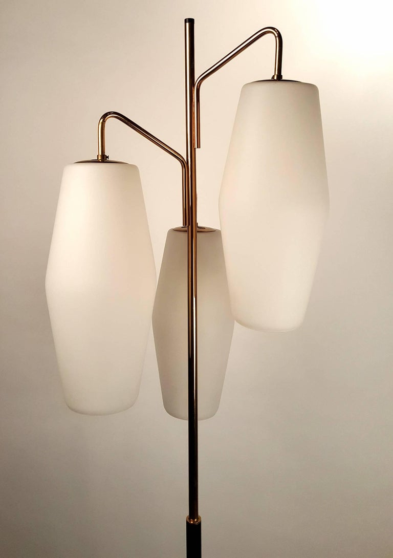 20th Century Italian Modernist Stilnovo Floor Lamp with Frosted Glass Shades and Marble Base For Sale