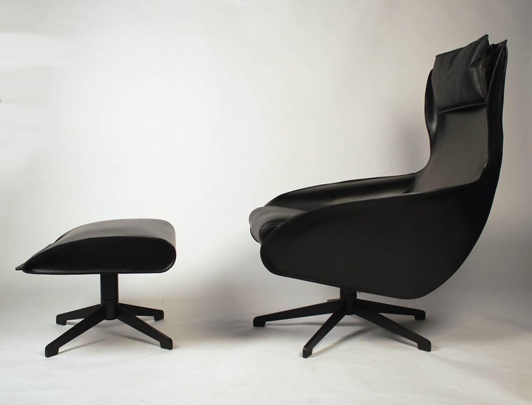 Italian Pair of Mario Bellini Model 423 Cab Lounge Chairs with Swivel Ottoman by Cassina For Sale