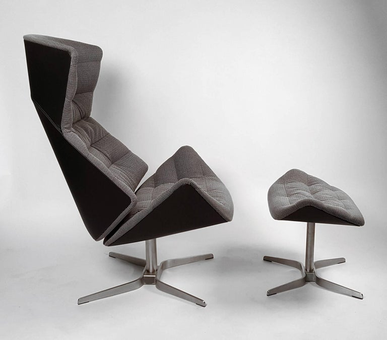 The Gebruder Thonet 808 lounge and ottoman are a well-balanced mix of finely coordinated materials. I have been in the furniture business for 20 years and this is easily the most comfortable chair I have ever sat in. It is ergonomically unmatched.