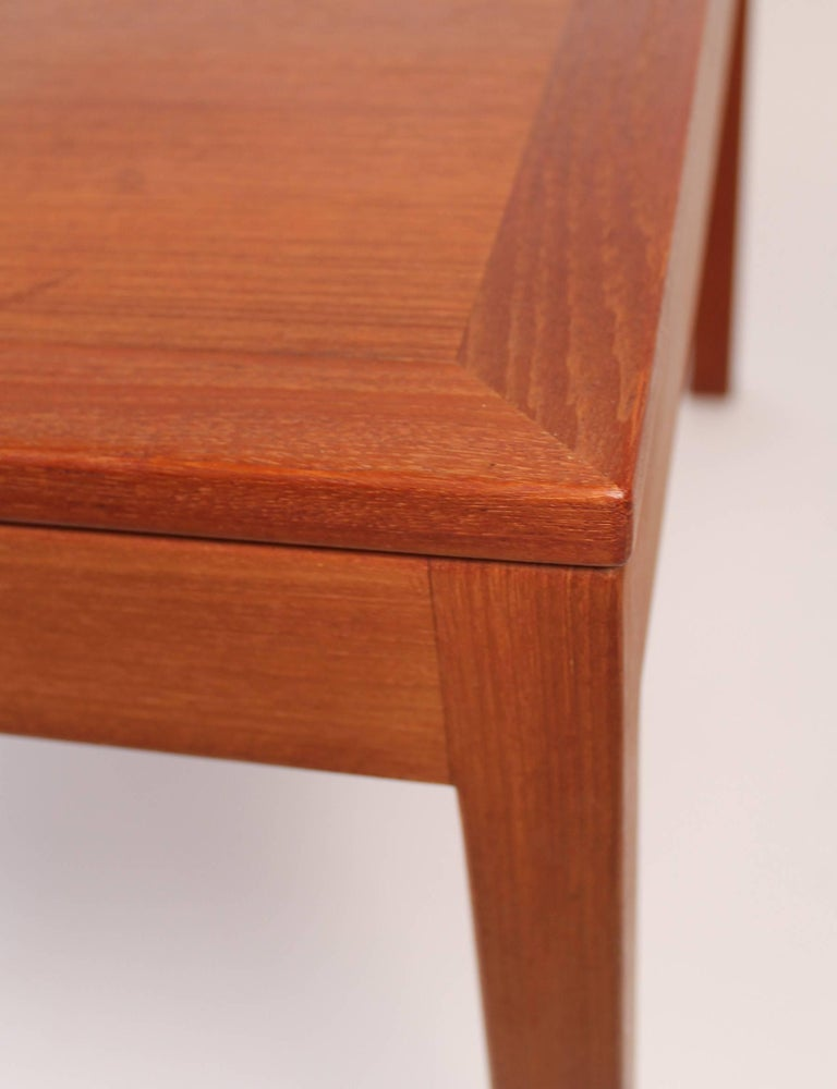 Børge Mogensen Danish Modern Occasional Table in Teak for Fredericia Stolefabrik In Good Condition For Sale In Dallas, TX
