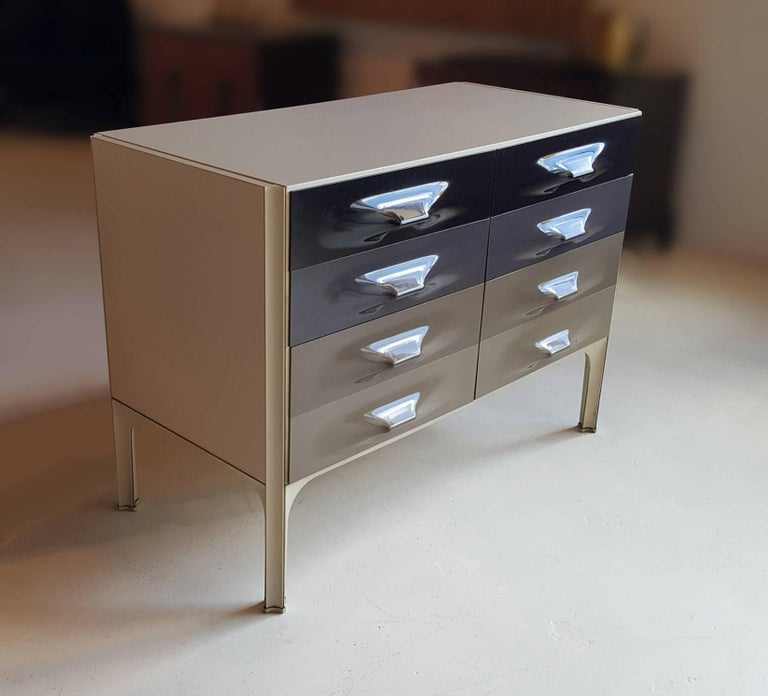 Raymond Loewy DF-2000 Chest of Drawers 5
