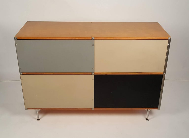 American 1950s Charles & Ray Eames ESU 200 Storage Unit Credenza for Herman Miller For Sale
