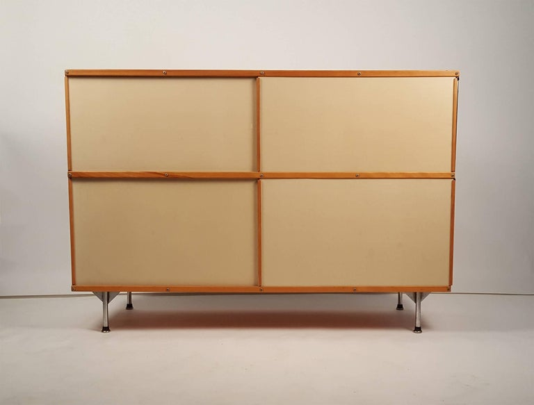 1950s Charles & Ray Eames ESU 200 Storage Unit Credenza for Herman Miller For Sale 3