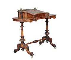 19th century Victorian walnut kidney shaped writing table