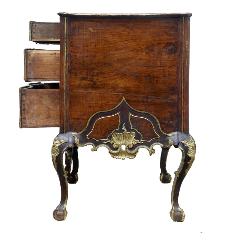 18th Century Portuguese Carved Walnut and Gilt Commode For Sale 1