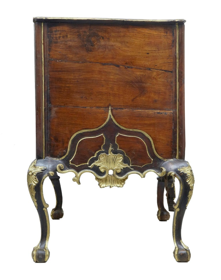 18th Century Portuguese Carved Walnut and Gilt Commode For Sale 3