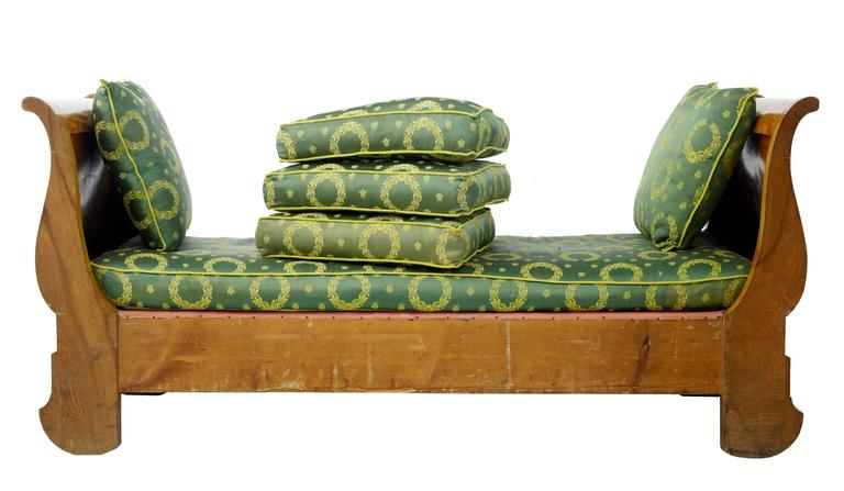 Stunning 19th Century Swedish Carved Birch Daybed Sofa 2