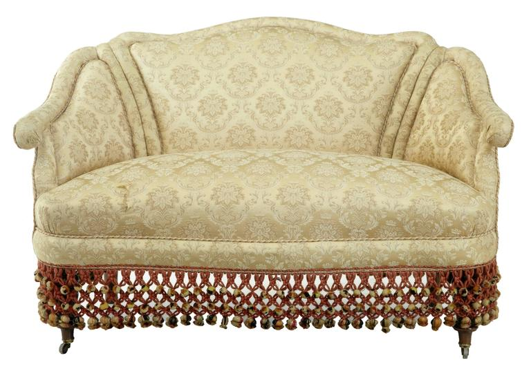 Boudoire Small Shaped Bedroom Settee. Shaped With Piping. Wear To One Arm  And Unfortunately