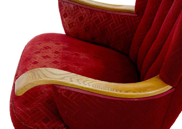Late Art Deco Shell Back Armchair In Good Condition For Sale In Debenham, Suffolk