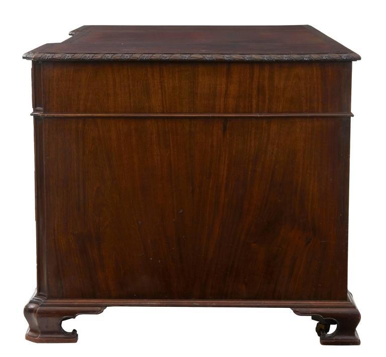 Schöner Mahagoni-Schreibtisch auf Postamenten, Hobbs & Co, Frühes 20. Jahrhundert 3