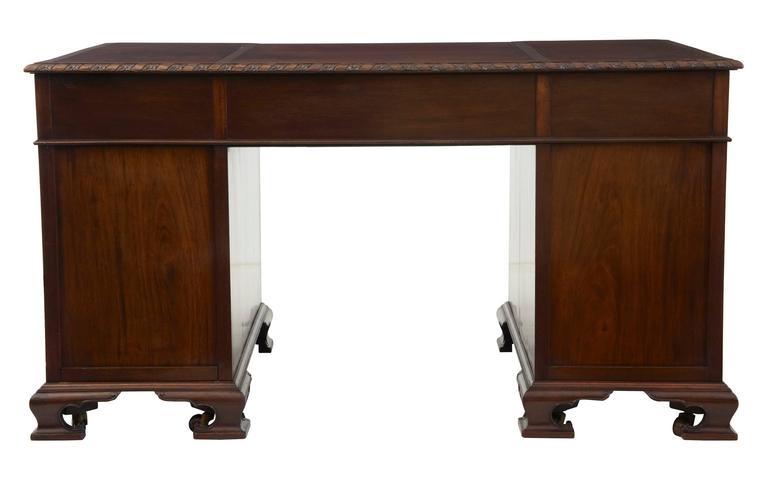 Schöner Mahagoni-Schreibtisch auf Postamenten, Hobbs & Co, Frühes 20. Jahrhundert 5